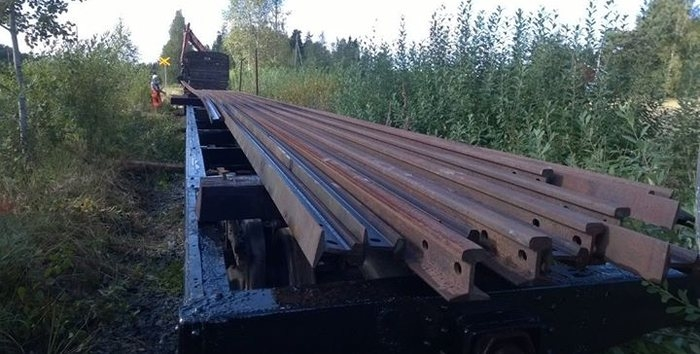The first train load of new rails has just arrived from Humppila rail storage to Jokioinen. Photo: Marko Laine.